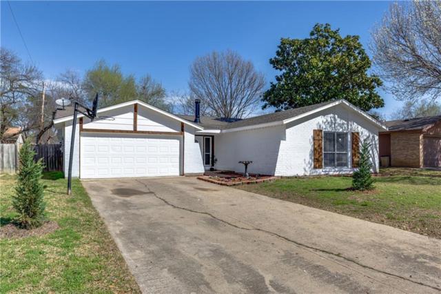 702 Woodcrest Drive, Grand Prairie, TX 75052 (MLS #13788904) :: Team Hodnett