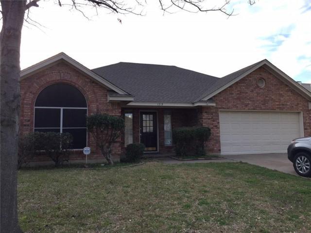 1213 Chapel Hill Drive, Mansfield, TX 76063 (MLS #13792661) :: Pinnacle Realty Team