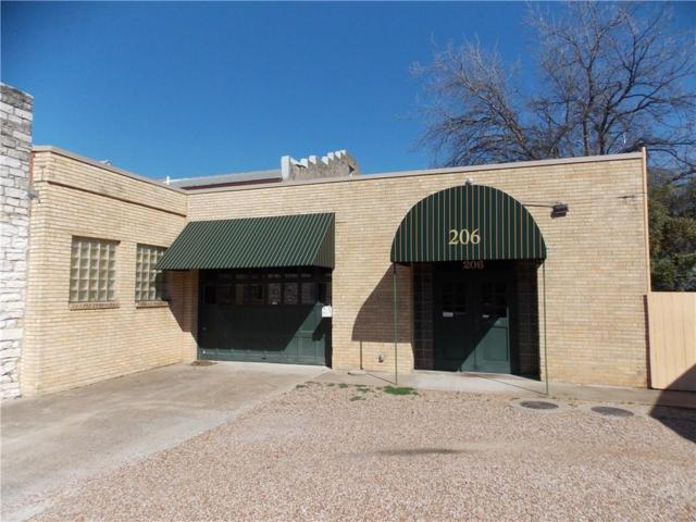 206 E Pearl Street, Granbury, TX 76048 (MLS #13795273) :: Team Tiller