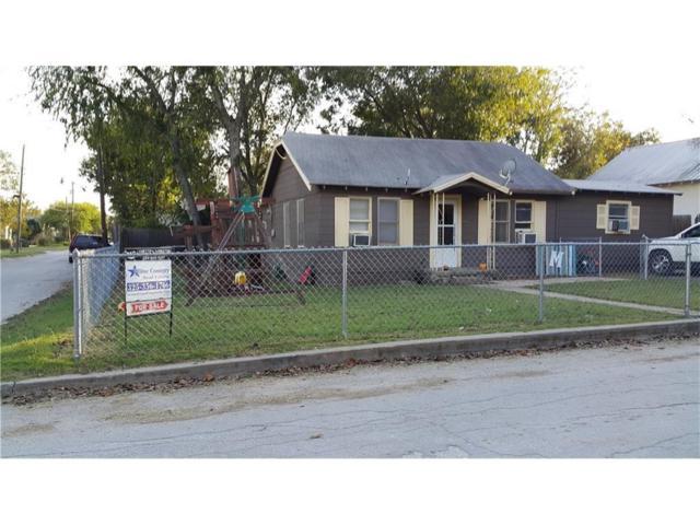 600 W Walcott Avenue, Comanche, TX 76442 (MLS #13797850) :: Team Hodnett