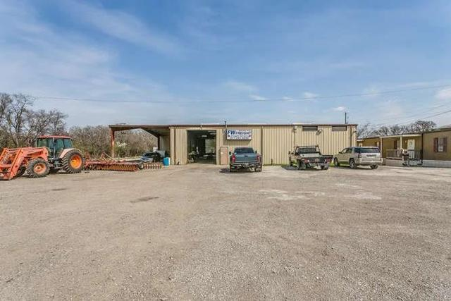 13301 Oak Grove Road S, Burleson, TX 76028 (MLS #13798032) :: The Mitchell Group