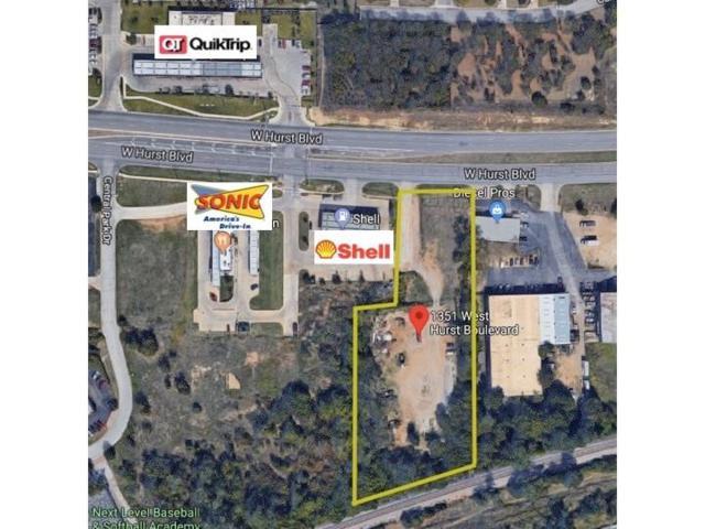 1351 W Hurst Boulevard, Hurst, TX 76053 (MLS #13798140) :: The Mitchell Group
