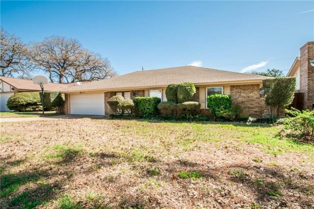2719 Trail Oak Court, Arlington, TX 76016 (MLS #13801207) :: The Holman Group