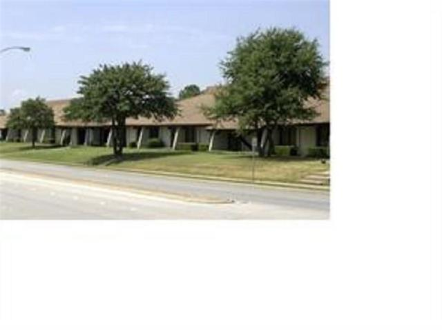 1501 N Norwood Drive, Hurst, TX 76054 (MLS #13817623) :: The Chad Smith Team