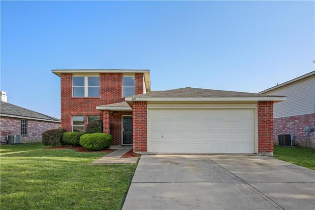 819 Encino Drive, Arlington, TX 76001 (MLS #13821128) :: The FIRE Group at Keller Williams