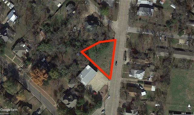 703 N Rockwall Avenue, Terrell, TX 75160 (MLS #13825806) :: RE/MAX Landmark