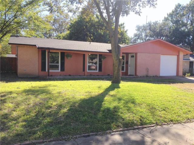 907 Warren Way, Richardson, TX 75080 (MLS #13826363) :: Kimberly Davis & Associates