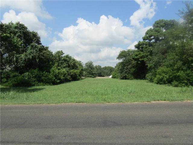 828 Sandy Lane, Fort Worth, TX 76120 (MLS #13828632) :: RE/MAX Pinnacle Group REALTORS