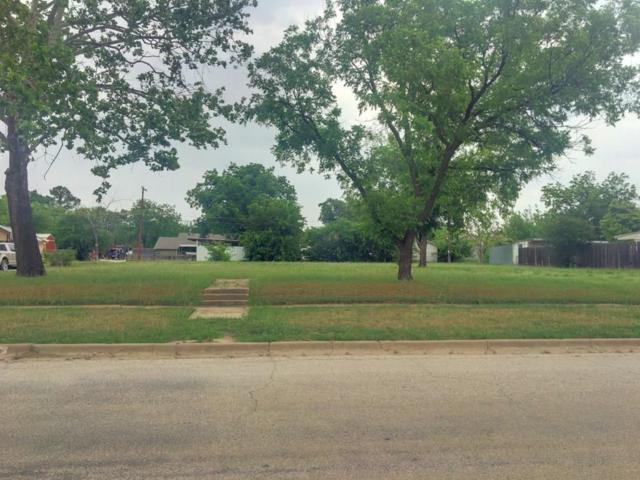 919 2nd Street, Graham, TX 76450 (MLS #13842577) :: The Chad Smith Team