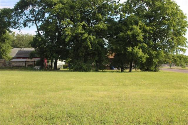 100 Ashlyn Court, Whitesboro, TX 76273 (MLS #13844135) :: RE/MAX Town & Country