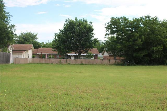 106 Ashlyn Court, Whitesboro, TX 76273 (MLS #13844155) :: RE/MAX Town & Country