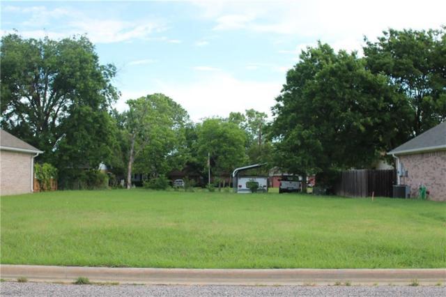 110 Ashlyn Court, Whitesboro, TX 76273 (MLS #13844162) :: RE/MAX Town & Country
