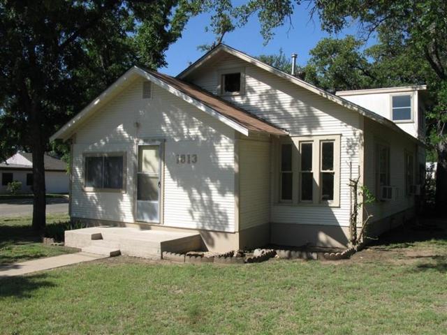 1813 12th Street, Brownwood, TX 76801 (MLS #13845083) :: RE/MAX Pinnacle Group REALTORS