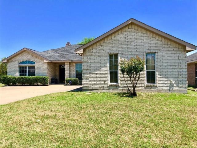 900 Cedar Ridge Drive, Cedar Hill, TX 75104 (MLS #13846059) :: Century 21 Judge Fite Company