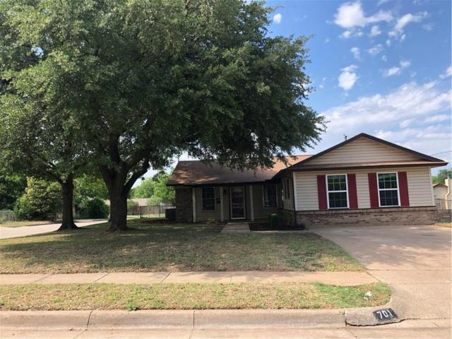 701 E Mustang Street, Crowley, TX 76036 (MLS #13846322) :: Century 21 Judge Fite Company
