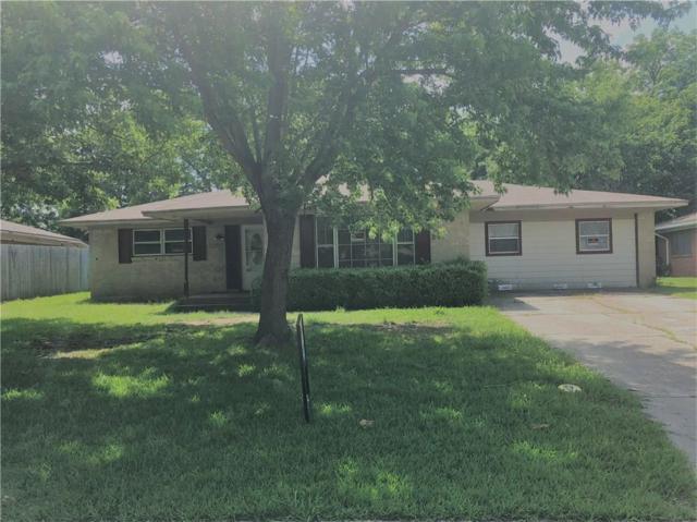 1207 N Elmwood Street N, Gainesville, TX 76240 (MLS #13847606) :: The Chad Smith Team