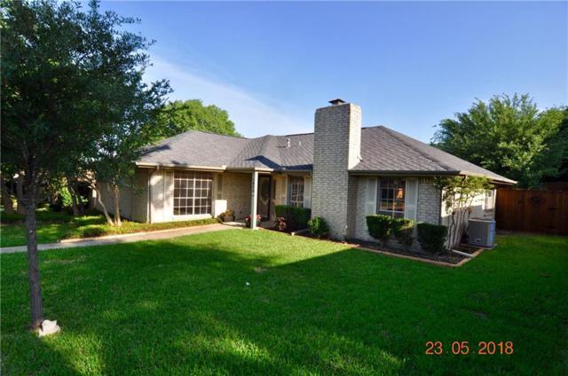 1806 Green Ridge Drive, Carrollton, TX 75007 (MLS #13848784) :: RE/MAX Town & Country