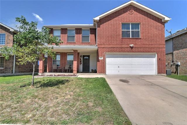 924 Canary Drive, Saginaw, TX 76131 (MLS #13852750) :: The Chad Smith Team