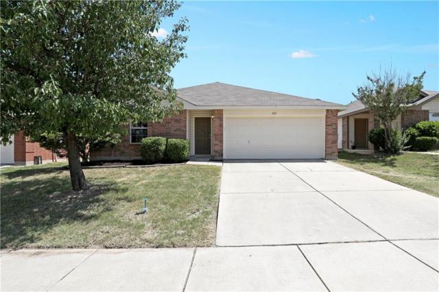 825 Poncho Lane, Fort Worth, TX 76052 (MLS #13857968) :: The Chad Smith Team