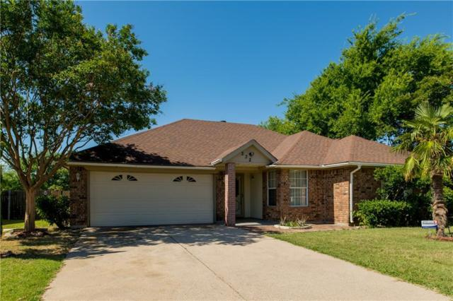 232 Freedom Lane, Arlington, TX 76002 (MLS #13860238) :: The Chad Smith Team