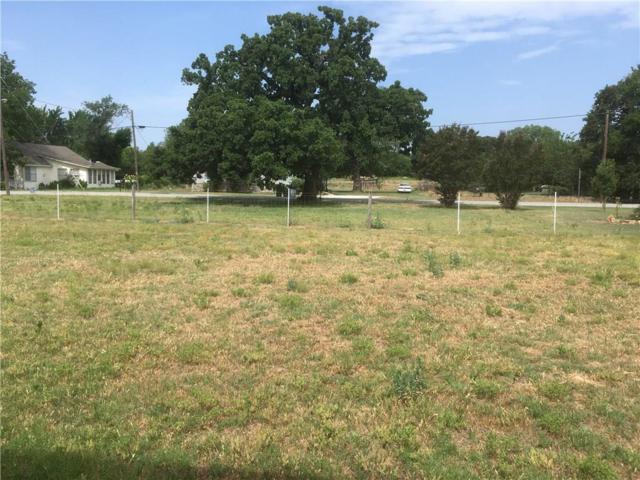 305 S Hitt Street, Boyd, TX 76023 (MLS #13865399) :: Team Hodnett