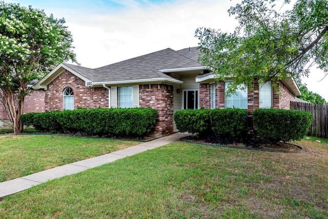 1120 Castleman Drive, Cedar Hill, TX 75104 (MLS #13865878) :: Pinnacle Realty Team