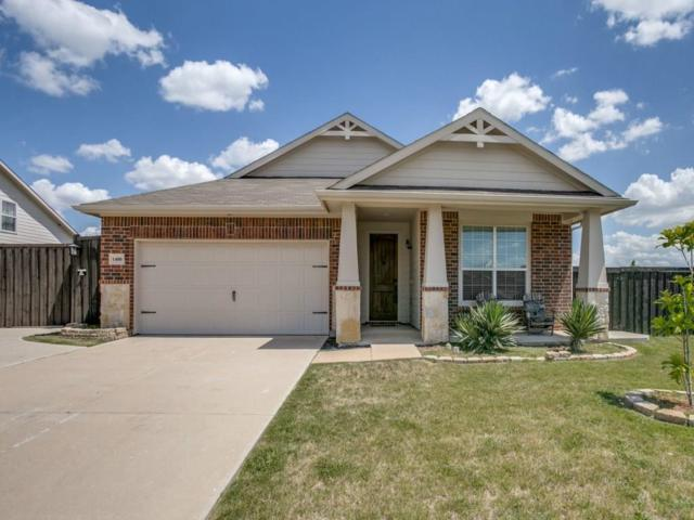 1400 Yosemite Drive, Arlington, TX 76002 (MLS #13866729) :: The FIRE Group at Keller Williams