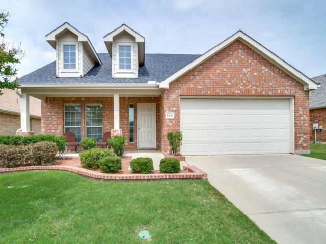 820 Golden Bear Lane, Mckinney, TX 75072 (MLS #13866937) :: Team Hodnett