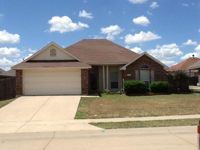 605 Jordan Lane, Waxahachie, TX 75165 (MLS #13867282) :: The FIRE Group at Keller Williams