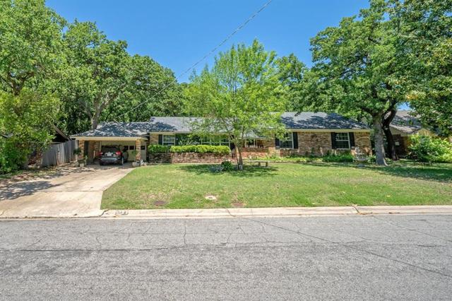 1811 Mistywood Lane, Denton, TX 76209 (MLS #13867396) :: Cassandra & Co.