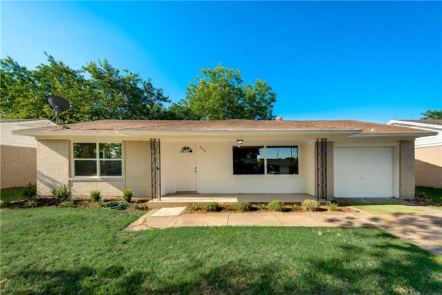 208 W Cherry Point Drive, Dallas, TX 75232 (MLS #13868604) :: NewHomePrograms.com LLC