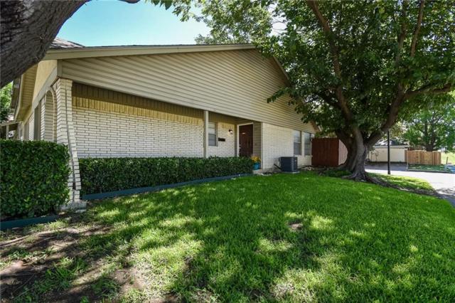 2075 Clubview Drive, Carrollton, TX 75006 (MLS #13870701) :: Kimberly Davis & Associates