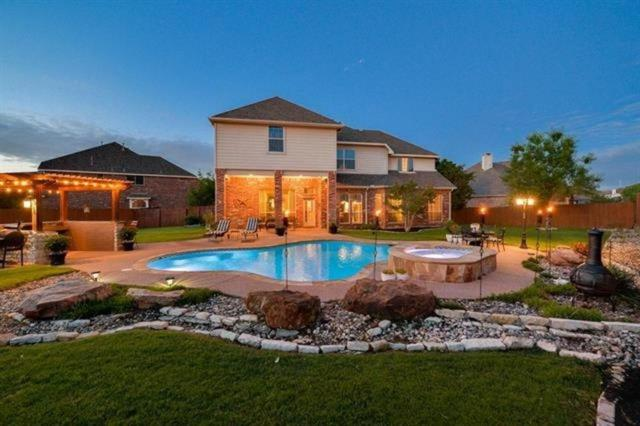 4202 Old Grove Drive, Mansfield, TX 76063 (MLS #13870952) :: The Mitchell Group
