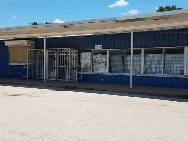 1601 S Oak Avenue, Mineral Wells, TX 76067 (MLS #13872328) :: The Mitchell Group