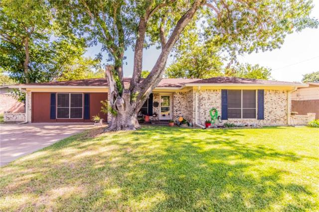 215 Stefanie Street, Burleson, TX 76028 (MLS #13876053) :: RE/MAX Pinnacle Group REALTORS