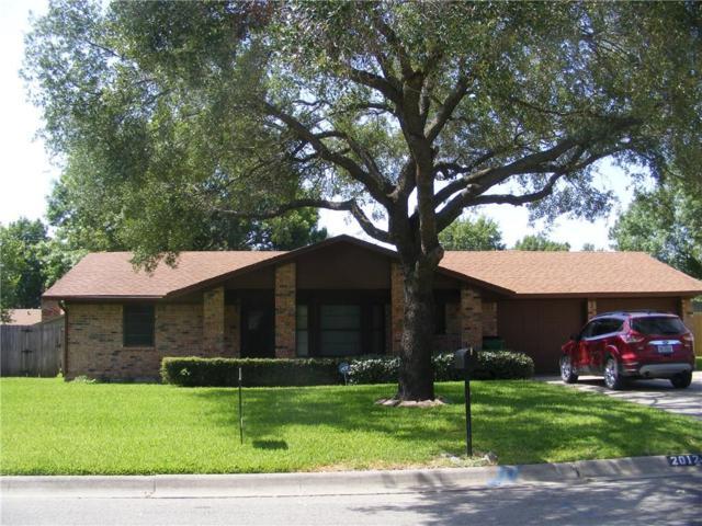 2012 Woodlawn Street, Gainesville, TX 76240 (MLS #13888681) :: Team Hodnett