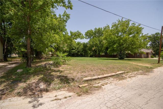 1317 Cherry Street, Gainesville, TX 76240 (MLS #13892597) :: Team Hodnett