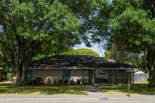 541 Newcastle Drive, Desoto, TX 75115 (MLS #13894315) :: Pinnacle Realty Team