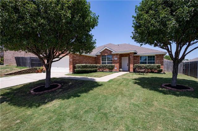 7003 Meadow Bend Drive, Arlington, TX 76002 (MLS #13895268) :: RE/MAX Pinnacle Group REALTORS