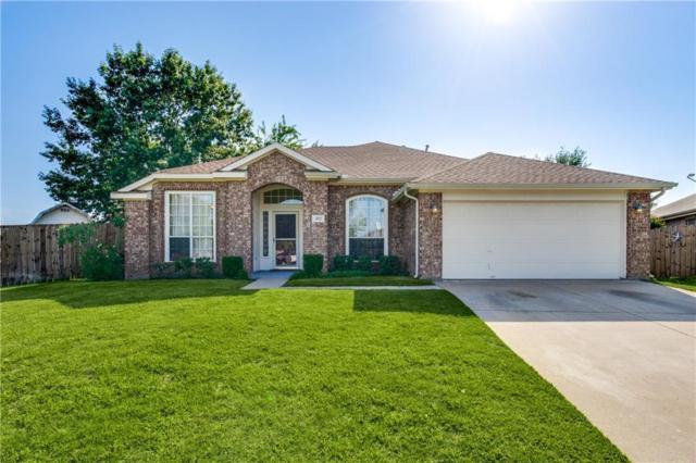 302 Fairhaven Court, Arlington, TX 76018 (MLS #13897055) :: The Hornburg Real Estate Group