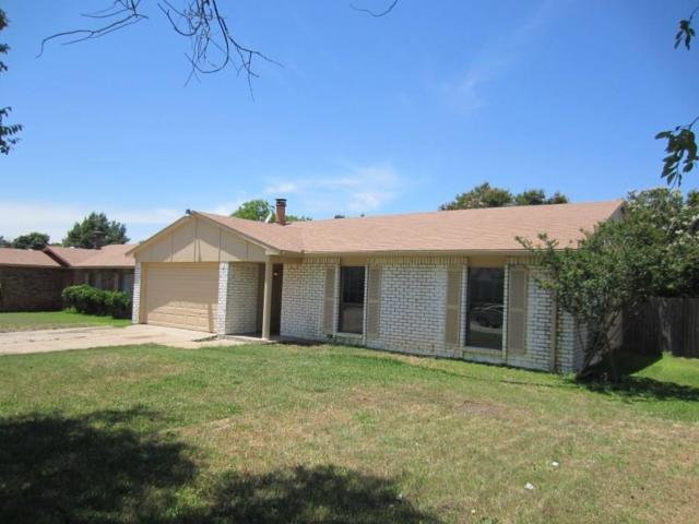 6833 Glenhurst Drive, North Richland Hills, TX 76182 (MLS #13899754) :: Robbins Real Estate Group