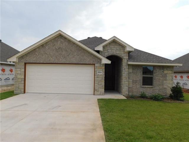 3214 Main, Granbury, TX 76049 (MLS #13902312) :: The Real Estate Station