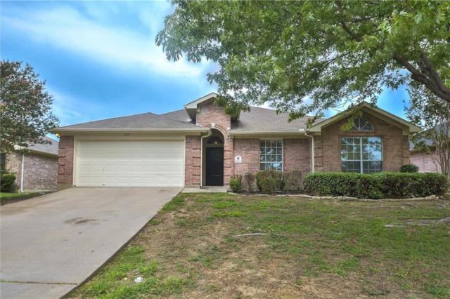 1613 Crestmeadow Lane, Mansfield, TX 76063 (MLS #13908482) :: The Hornburg Real Estate Group