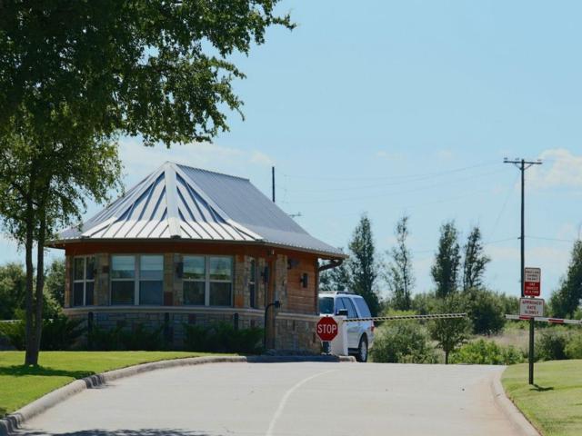 555 Cliffs Drive, Graford, TX 76449 (MLS #13910932) :: Robinson Clay Team