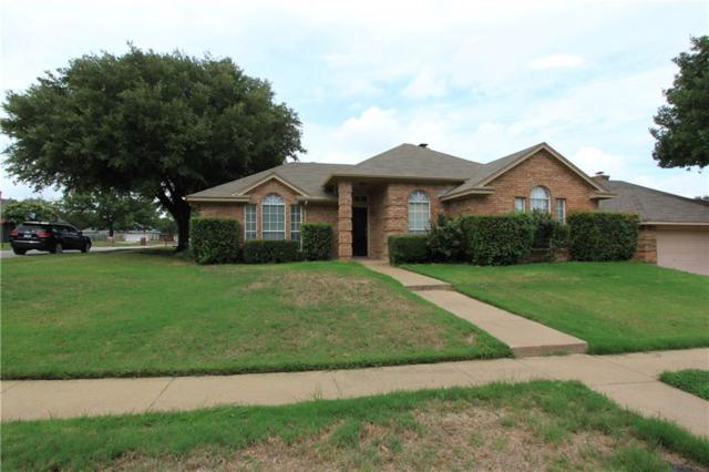317 Lexington Lane, Euless, TX 76039 (MLS #13912371) :: The Chad Smith Team