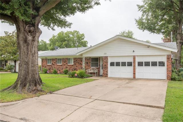 220 Turtle Creek Drive, Arlington, TX 76010 (MLS #13912804) :: The Mitchell Group