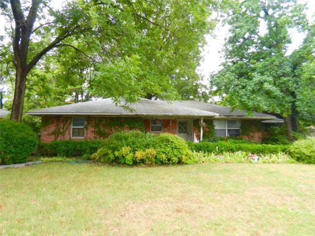 717 Greenleaf Drive, Richardson, TX 75080 (MLS #13913049) :: Kimberly Davis & Associates