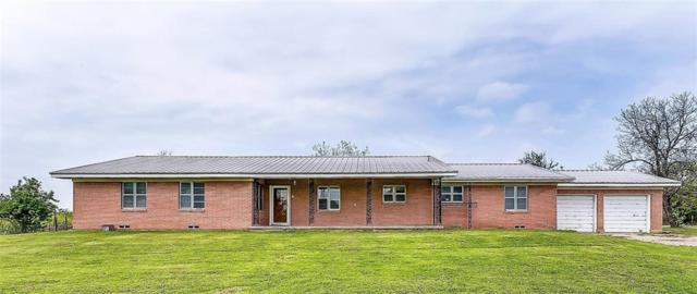 1641 E Henderson Street, Cleburne, TX 76031 (MLS #13913067) :: Fort Worth Property Group