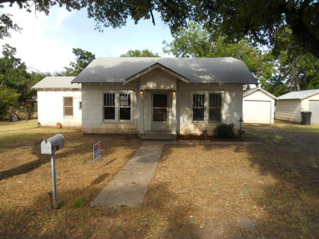 804 N Foley Street, Seymour, TX 76380 (MLS #13915084) :: Team Tiller