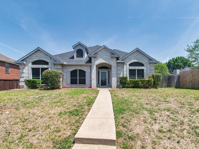 1152 Lexington Lane, Desoto, TX 75115 (MLS #13915104) :: Kimberly Davis & Associates